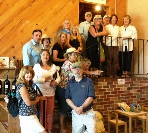 photo wine tour group